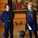 Tapahtuman taustalla vaikuttaneet Tapio Turpeinen ja Katja Uksila pitämässä avajaispuhetta. Kuva: Joonas Valjus