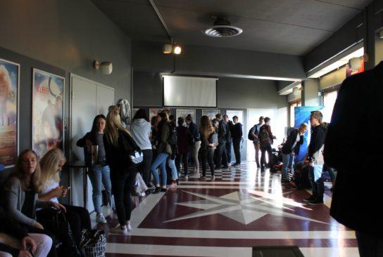 Leffa-aamu kiinnosti lukiolaisia.
