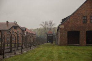 pääleirin rakennuksia